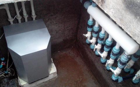 Тепловой насос GeoSun для отопления бассейна с коллекторами в приямке